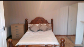 IMPRESSIVE KING SIZE DOUBLE ROOM TO RENT ILFORD, EAST LONDON