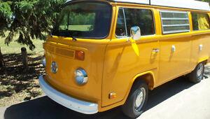 1976 Volkswagen Westfalia Van Camper