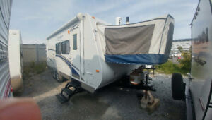 2011  23j hibrid with slide out $11,900 !!easy financing!!