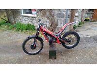 2010 gasgas txt 300 pro trials bike