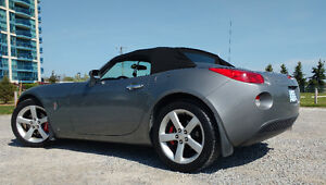 Just In Time For Summer....2006 Pontiac Solstice Convertible