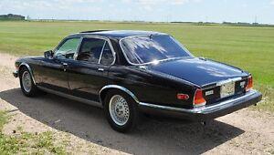 Jaguar 1988 XJ 12 Vanden Plas Series III 4 Door Sedan Regina Regina Area image 9
