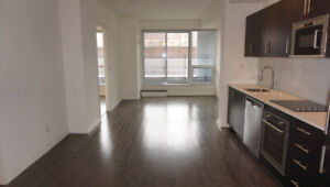 Downtown Toronto - 1 Bedroom + Den w/parking FOR LEASE!