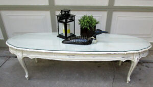 "VINTAGE SHABBY CHIC 60 ""WIDE OVAL COFFEE TABLE"