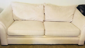 Couch set off white fake leather.
