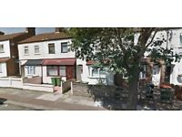 **MUST SEE 2 BED HOUSE AVAILABLE NOW IN EASTHAM E6**