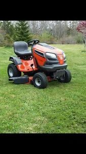 FS/TRADE: New HUSQUVARNA 22HP, Hydrostatic lawn tractor