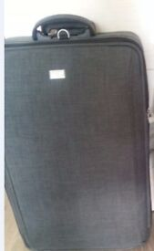 Newly luggage( 1 years old) to sale at big discount price