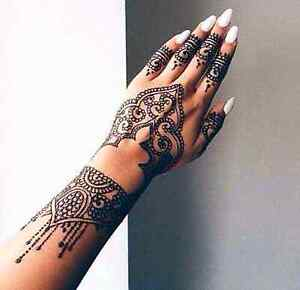 Professional  henna artist (black available)
