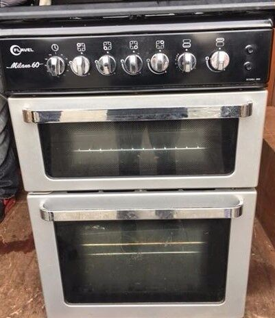Black Flavel 60cm gas cooker with pipe has safety glass lid can delivery free local
