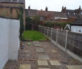2-Bed Mid Terrace Hse, Central Location, Private, SE-Facing Courtyard Gdn, 2 mins to Train Station.