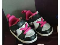 Baby nike trainers good as new size 1.5