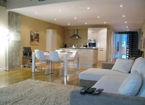 **NEW on MARKET** Rare Townhouse in the Unity 2, Square Victoria