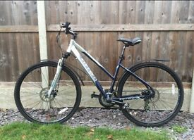 ladies Carrera Crossfire 2 hybrid bike. 21 gears (Shimano)