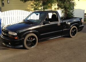 2000 Chevrolet S-10 Xtreme SS Pickup Truck
