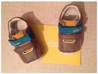 Clarks baby's first shoes/trainers-brown suede-brand new in box