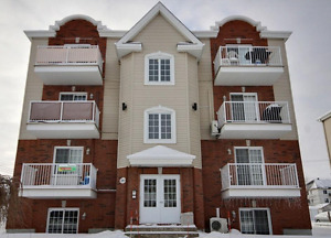 **Fully Furnished** Modern Condo for rent, Vaudreuil-Dorion