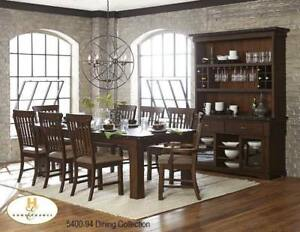 Modern look dining set with block legs (MA393)