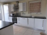3 bedroom flat in Horsted Court - P1359