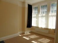 Studio flat in York Avenue, Hove
