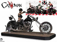 DC Comics Gotham City Garage catwoman Statue in store!