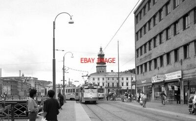 PHOTO  1990 SWEDEN TRAM GOTEBORG GS CS TRAM NOS 751 ON ROUTE NO 6