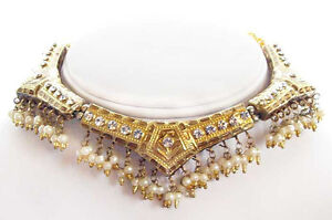 Travel-Jewelry-Handcrafted-Gold-Lakh-Necklace-Earrings-From-India