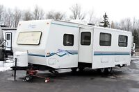 1998 Fleetwood Prowler 31'G - Mint Condition
