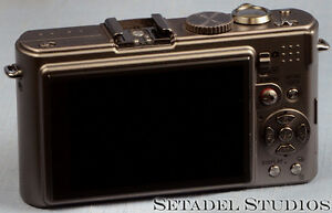 Leica D-Lux 4 Titanium Special Set Camera Outfit Mint [20692] Kitchener / Waterloo Kitchener Area image 3