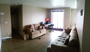 Looking for a roommate starting April 1, 2017 - URGENT