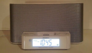 ***SONY ICF-CS10iP FM/AM Alarm Clock Radio iPhone/iPod Dock***