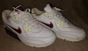 Nike Air Max Size 8.5 White and maroon purple 2005 Retro