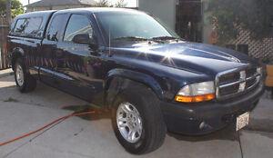2004 Dodge Dakota SLT Pickup Truck