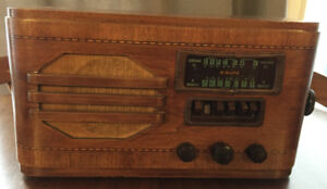 Vtg Ward Airline Model 04BR-609A Broadcast Shortwave Tube Radio