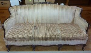 French Provincial Couch With Cushions Peterborough Peterborough Area image 4