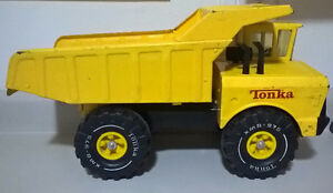 Vintage Mighty Tonka Dump Truck Toy Pressed Steel Construction