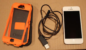 Apple iPhone 5 - 16GB - White & Silver Rogers GODERICH