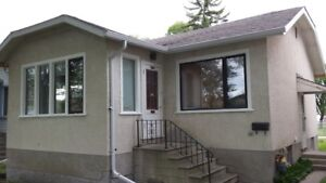 Great 2 BR House on Lincoln Available January 1