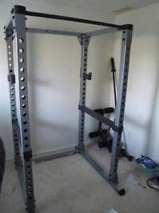 Body Solid Full rack pull up bar j hooks safety spotters GPR378