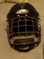 Perfect Condition!! Bauer Hockey Helmet. Adjustable size.