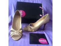 high heel sandals by Sacha, size 5 (boxed)