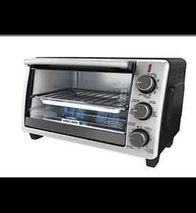 Black and Decker - Toaster Oven - Excellent Condition