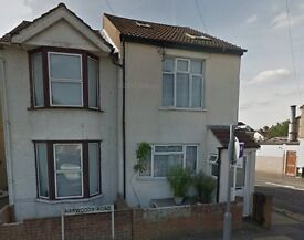 4 bedroom house near the town centre and close to schools and hospital available for rent