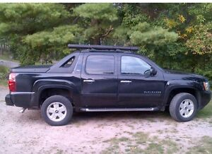 Chevy Avalanche Z71, 320 Hp. -2011