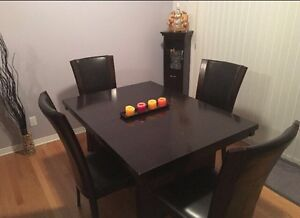 Kitchen table! Must go ASAP! Moving! Make an offer