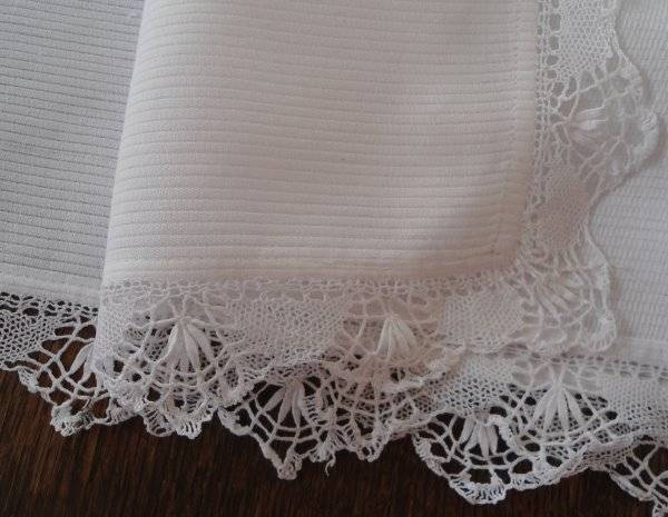 Vintage White Ribbed Cotton Dresser Scarf Table Runner Bobbin Lace 31""
