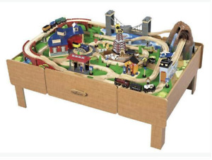 IMAGINARIUM Classic Train Table with track & Thomas trains
