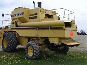 1995 New Holland TR97 Twin Rotor Combine London Ontario image 5