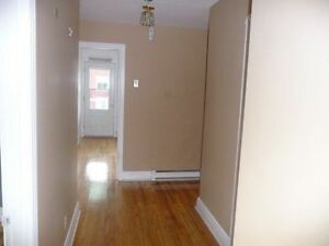 Room available today!All Included!Close to Metro And bus! Verdun