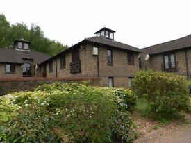 1 bedroom flat in Dukes Ride, North Holmwood, Dorking, RH5